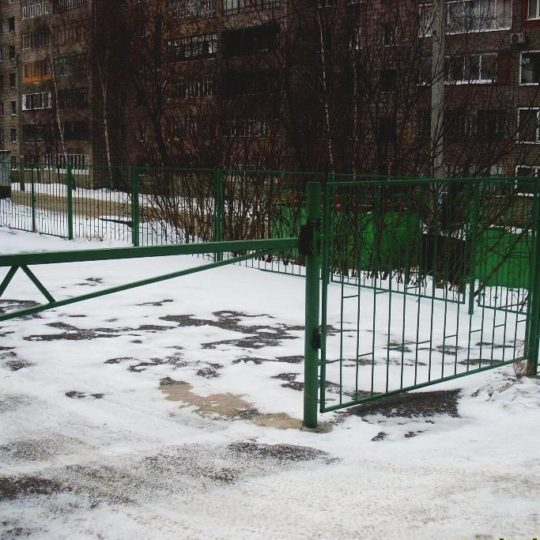 http://stroitelstvo.tomsk.ru/wp-content/uploads/2017/01/ворота-1-540x540.jpg