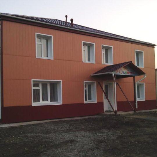 http://stroitelstvo.tomsk.ru/wp-content/uploads/2017/01/фасад-5-540x540.jpg